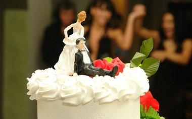 确定重婚罪要哪些证据