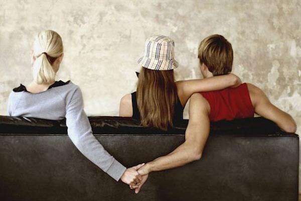 男人和女人出轨的区别_容易出轨的男人_出轨的男人