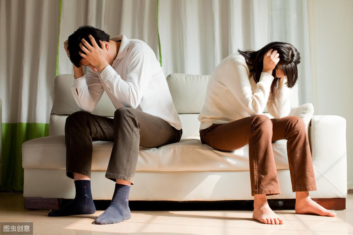 结婚7年,老婆工作后出轨同事,妻子辩解:丈夫只打游戏,不管她