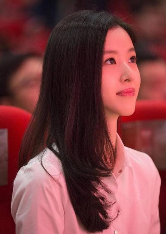 网曝刘强东出轨对象照片,网友:确实挺漂亮的
